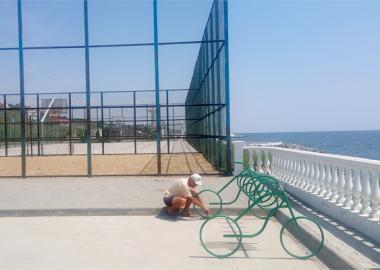 В поселке установлены велопарковки