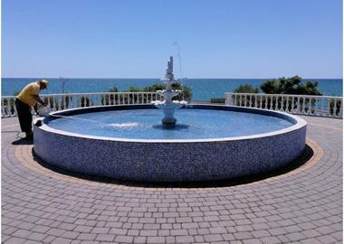 Регулярне очищення фонтанів